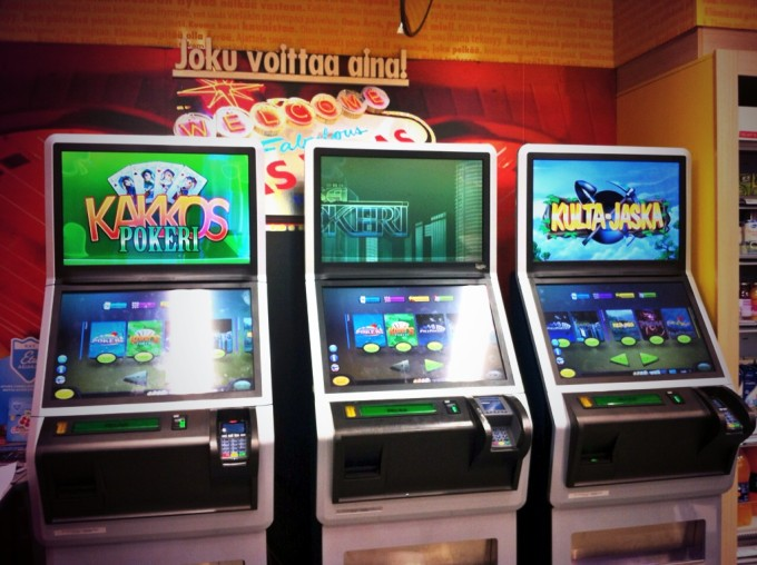 Im finnischen Supermarkt: Spielautomaten