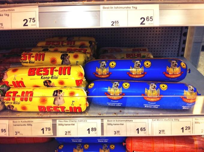 Im finnischen Supermarkt: Hundewurst