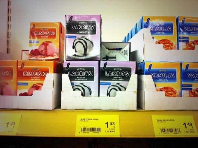 Im finnischen Supermarkt: Lakritzsoße