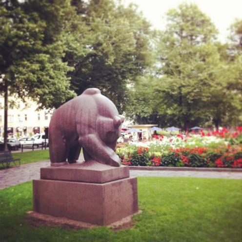 Im Bear Park in Kallio liegt der Hund begraben.