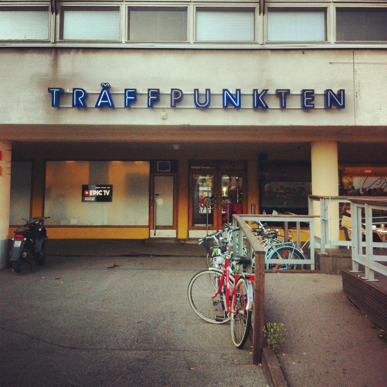 Hach Helsinki, manchmal bin ich sehr dankbar dafür, dass du zweisprachig bist.