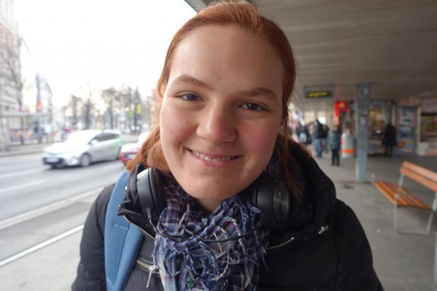 """Magdalena Maria, 19: """"Ich bin überzeugt, dass van der Bellen Österreich gut weiterführen kann."""""""
